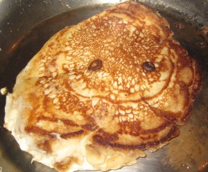 smiley-banana-mac-pancake