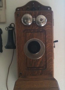 old-timey-phone-smiley
