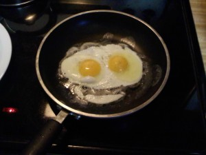 fried-eggs-smiley