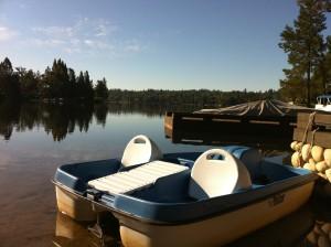 smiling-paddleboat