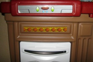 play-kitchen-smiley